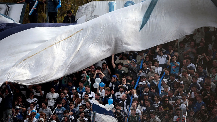 Arjantin'de Maradona çılgınlığı! Antrenmanı 30 bin kişi izledi!