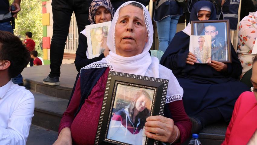 HDP önünde oturma eylemi yapan aile sayısı 24'e yükseldi