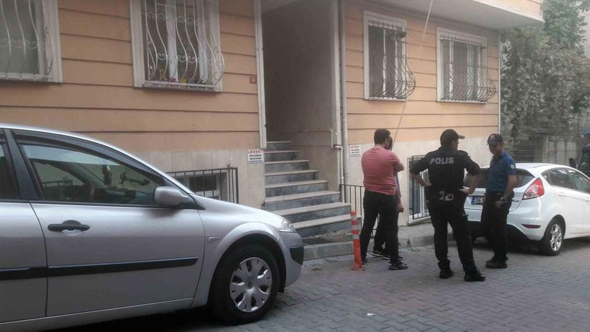 Polis, polisi omzundan vurdu