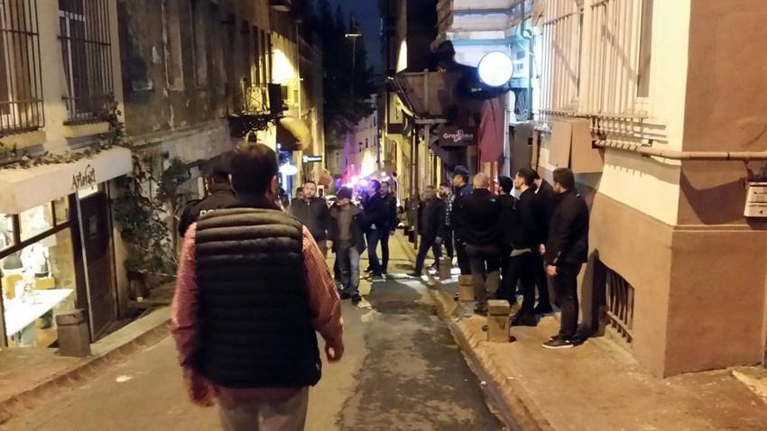 Beyoğlu'nda 5 katlı bina çöktü