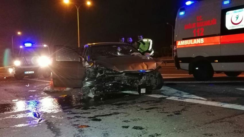 TEM'de feci kaza!.. 2ölü, 1 yaralı!