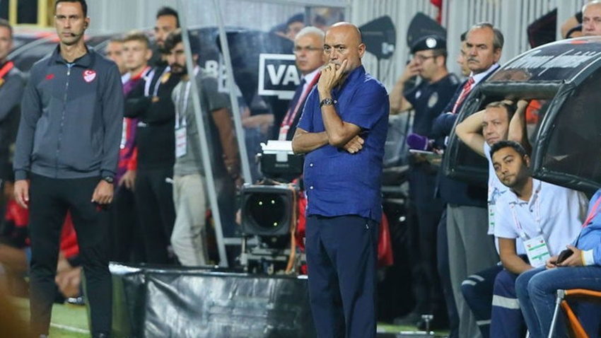Süper Lig'de peş peşe istifalar!