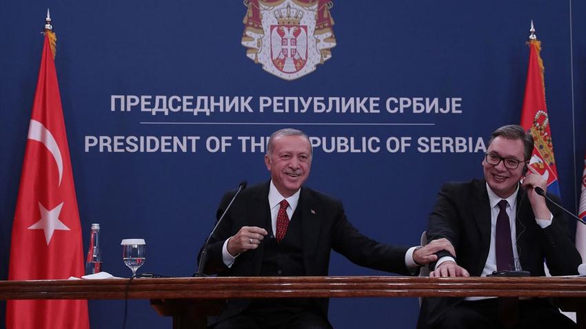 Vucic: Türkiye'ye ders verecek değiliz