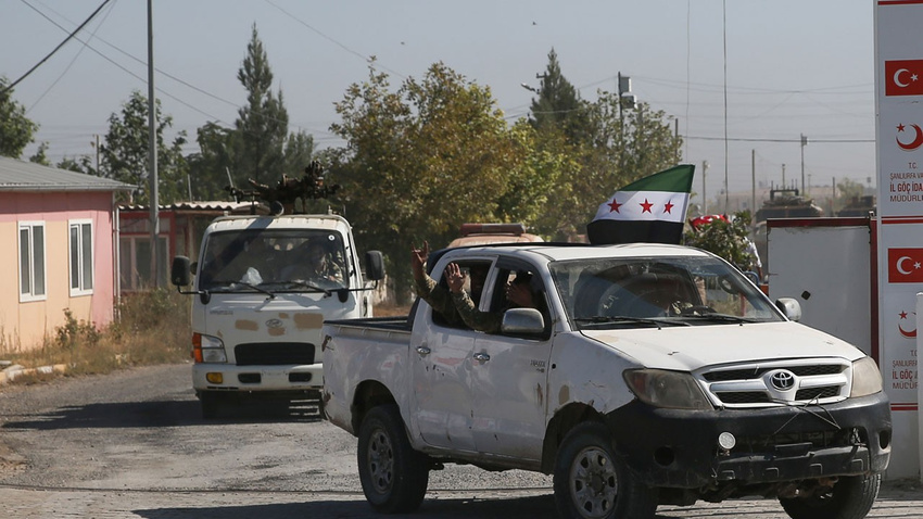 Suriye Milli Ordusu da Fırat'ın doğusuna girdi