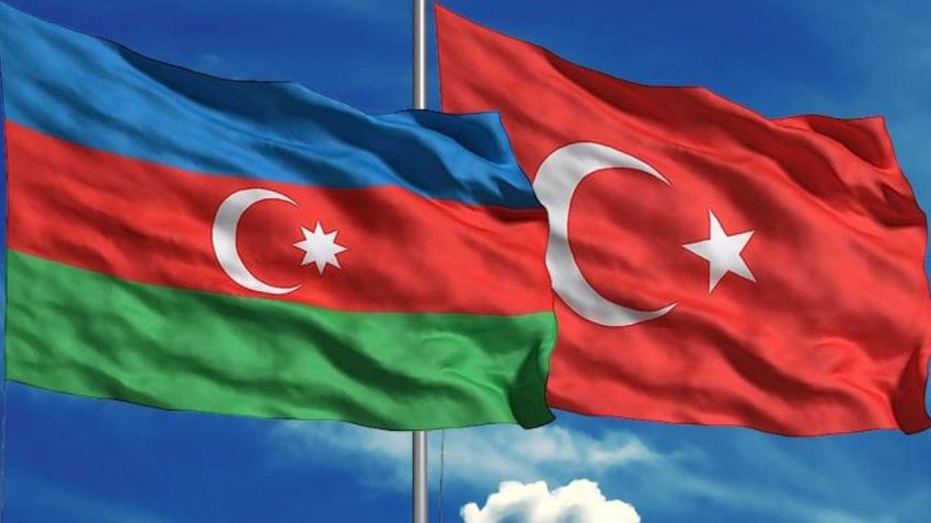 Azerbaycan'dan Barış Pınarı Harekatı'a destek