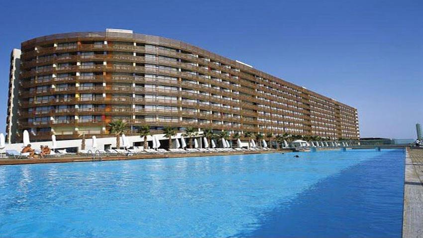 Antalya'daki ünlü otel icradan satılık!