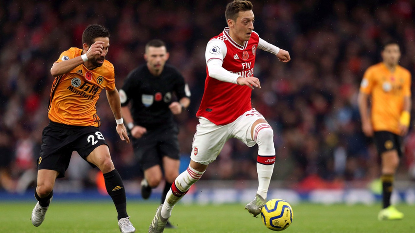 Arsenal Wolves'a takıldı