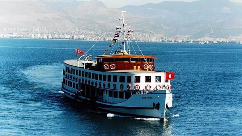 İstanbul Boğazı trafiğe yeniden açıldı