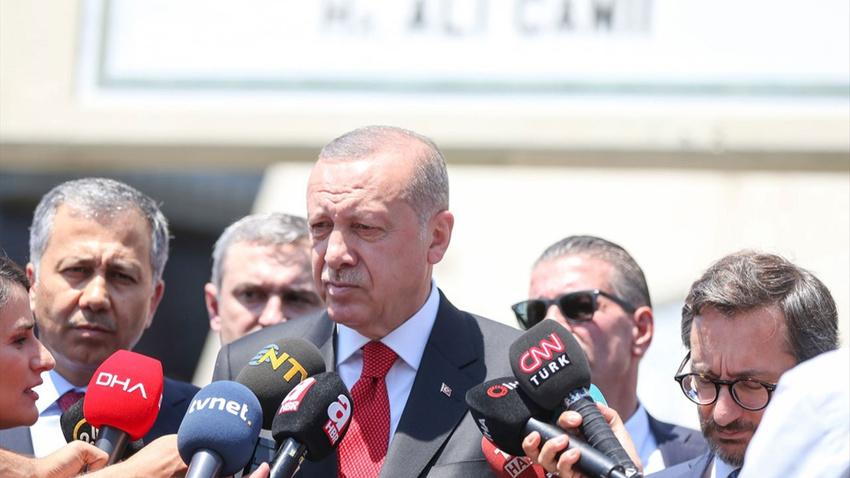 """Erdoğan'dan Arınç'ın """"KHK faciadır""""  sözüne yanıt"""
