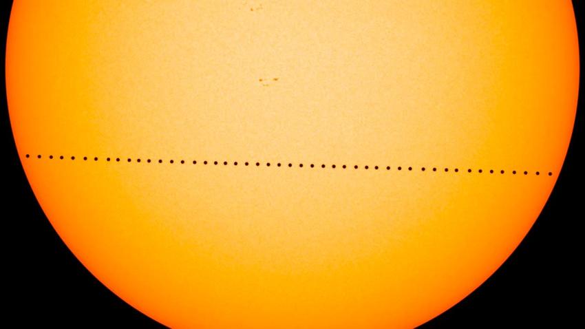 Merkür, Güneş ile Dünya'nın arasına girdi