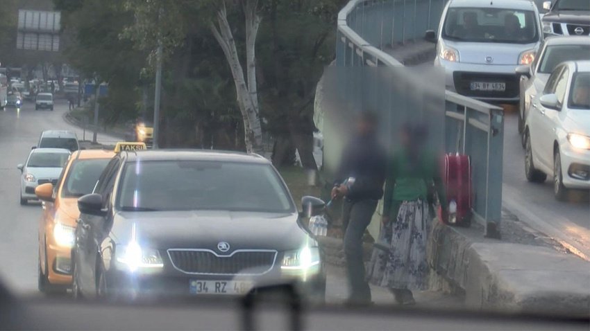 Yer: İstanbul... Sürücülerin kabusu oldular!..  Taciz, tükürme..!