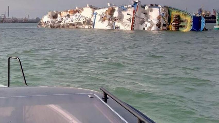 Alabora olan geminin ambarında 14 bin 600 koyun mahsur kaldı