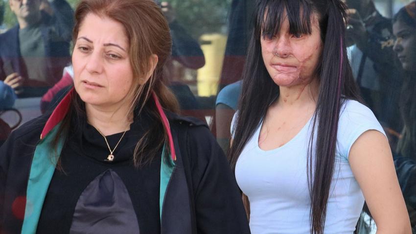 Yüzü asitle yakılan Berfin ilk kez mahkemede
