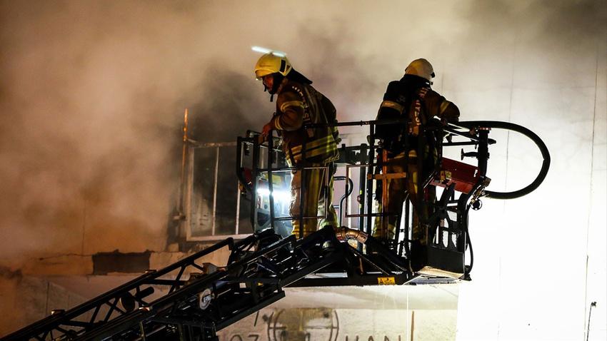 İstanbul'da yangın!.. Yaralılar var!