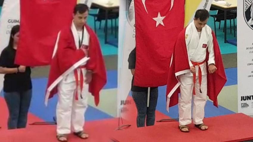 Türkiye'ye ilk dünya şampiyonluğunu getirdi!