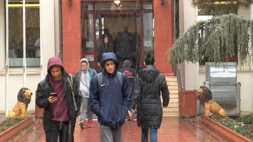 Ankara'da okulda skandal!.. Veliler çocuklarını alıp eve döndü!