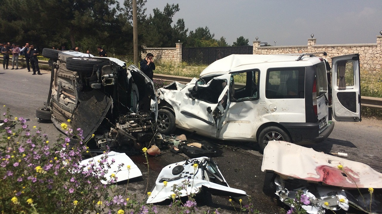 İzmir Buca'da feci kaza: 7 ölü