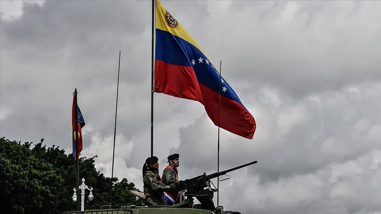 Venezuela'da askeri darbe girişimi