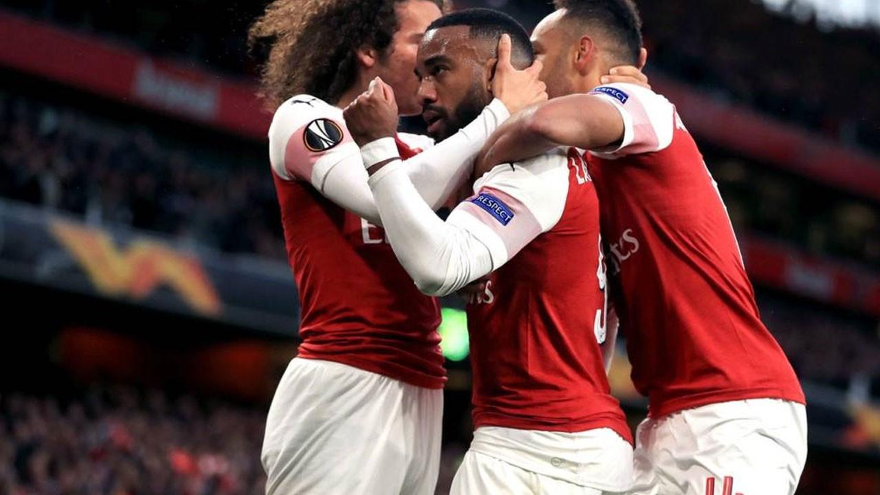 Arsenal, finale göz kırptı