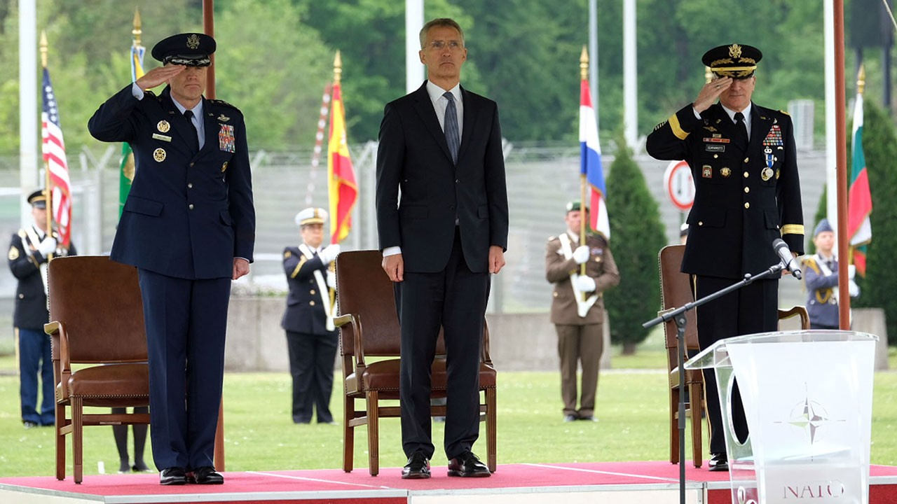 NATO Genel Sekreteri Stoltenberg'den S-400 desteği