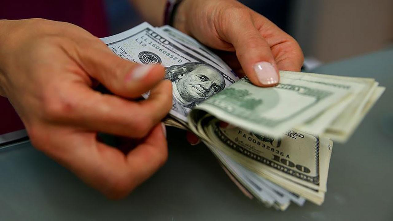Dolar dalgalanıyor
