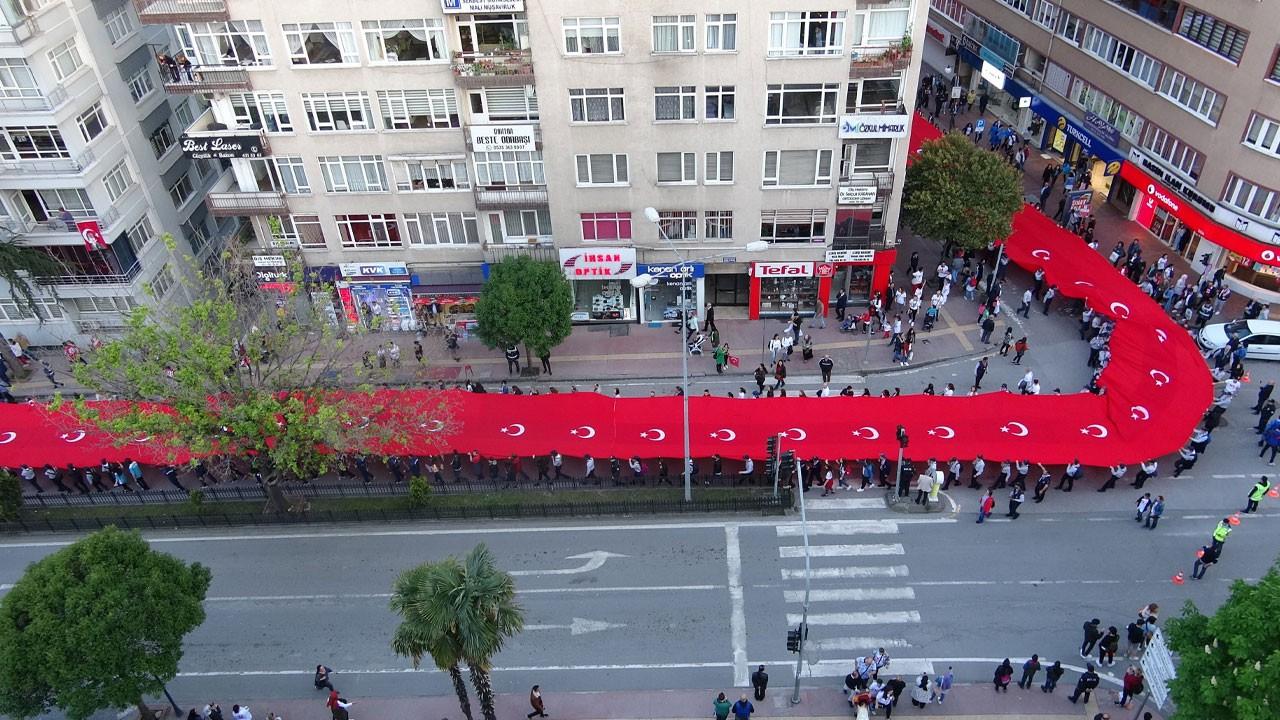 1919 metre Türk bayrağı ile yürüdüler