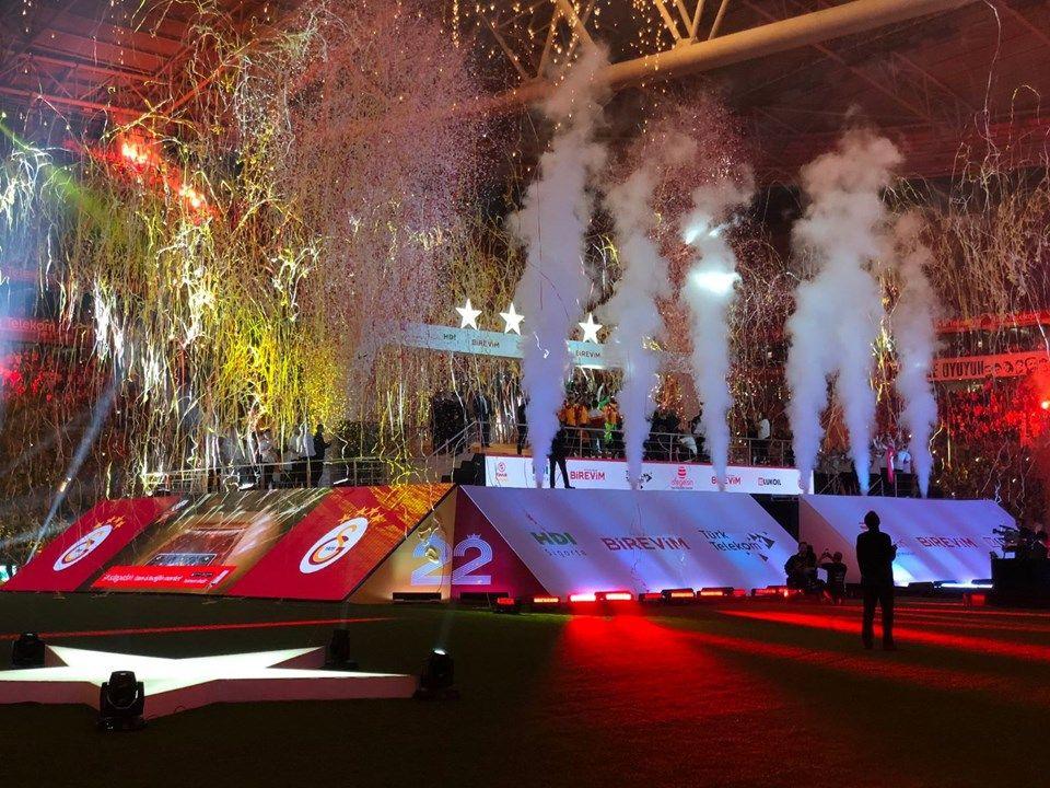 Galatasaray 22'nci şampiyonluğunu kutladı - Sayfa 1