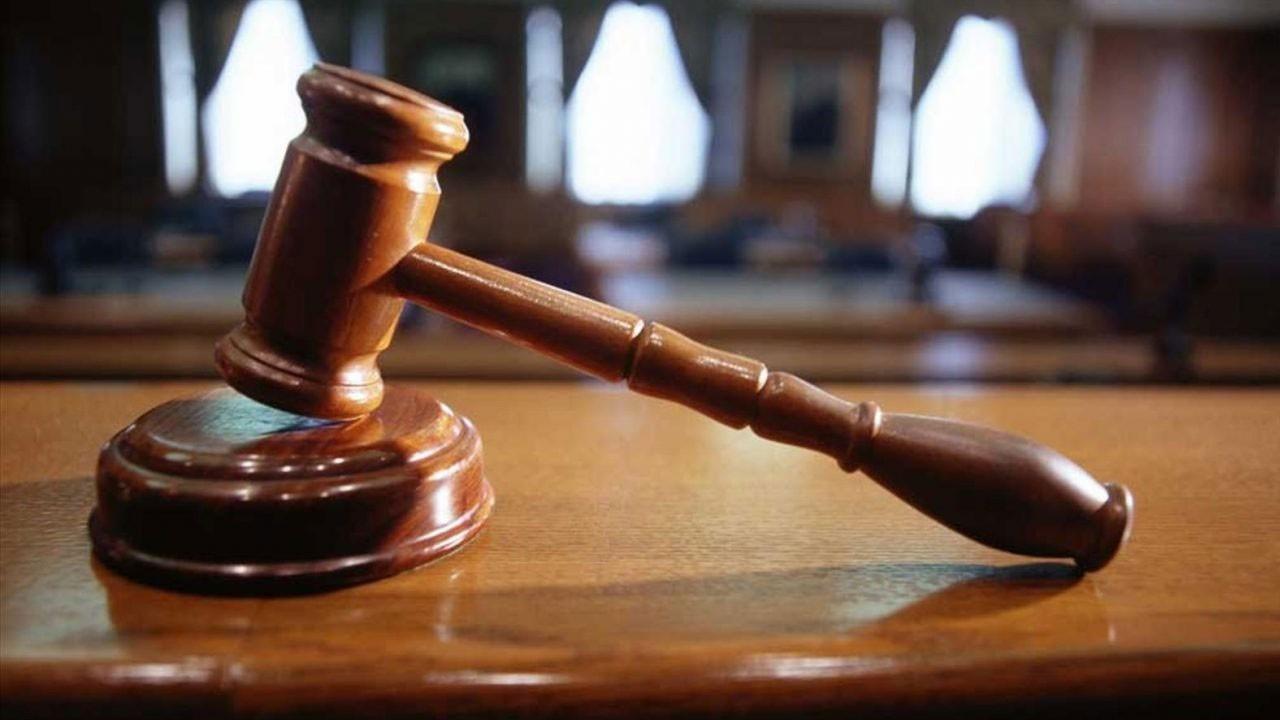 Hakimle kadın avukatın etek boyu tartışması