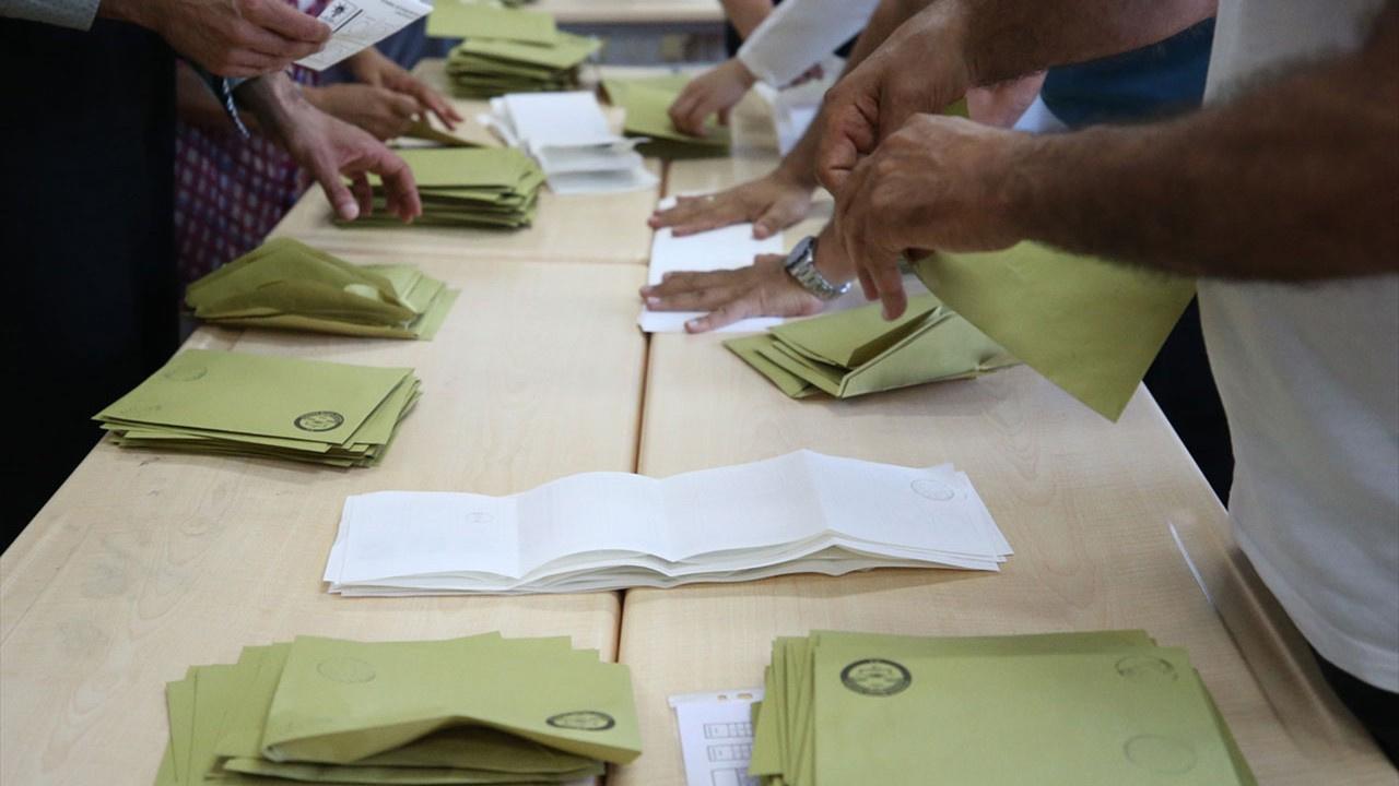 AK Parti 13 ilçede daha kaybetti