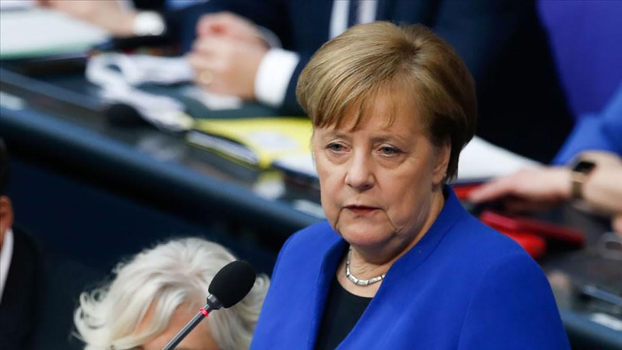 Merkel: Sığınmacıları Türkiye'ye iade edin