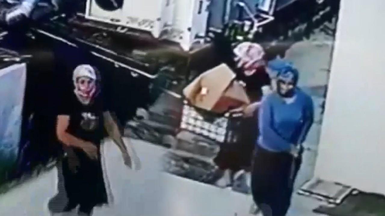 Hırsızlık yapmak için kadın kılığına girdi