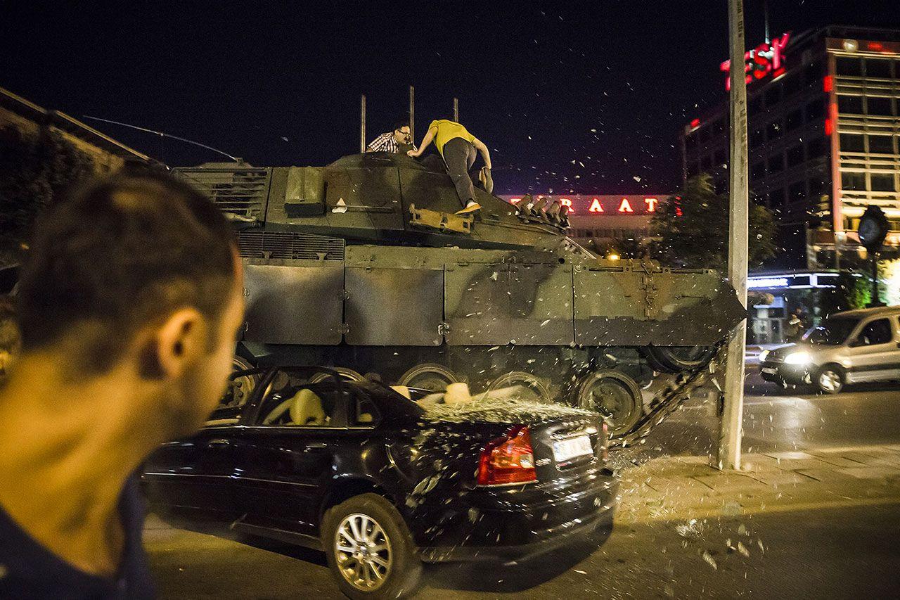 Türkiye'nin en kanlı gecesinde yaşananlar - Sayfa 1