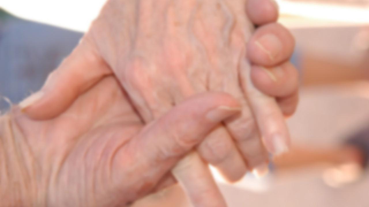 Gerçek aşk! 92 yaşında peş peşe öldüler!