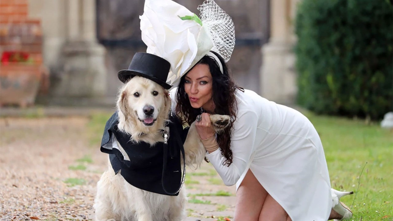 Eski model 'erkeklerden vazgeçti', köpeğiyle evleniyor!