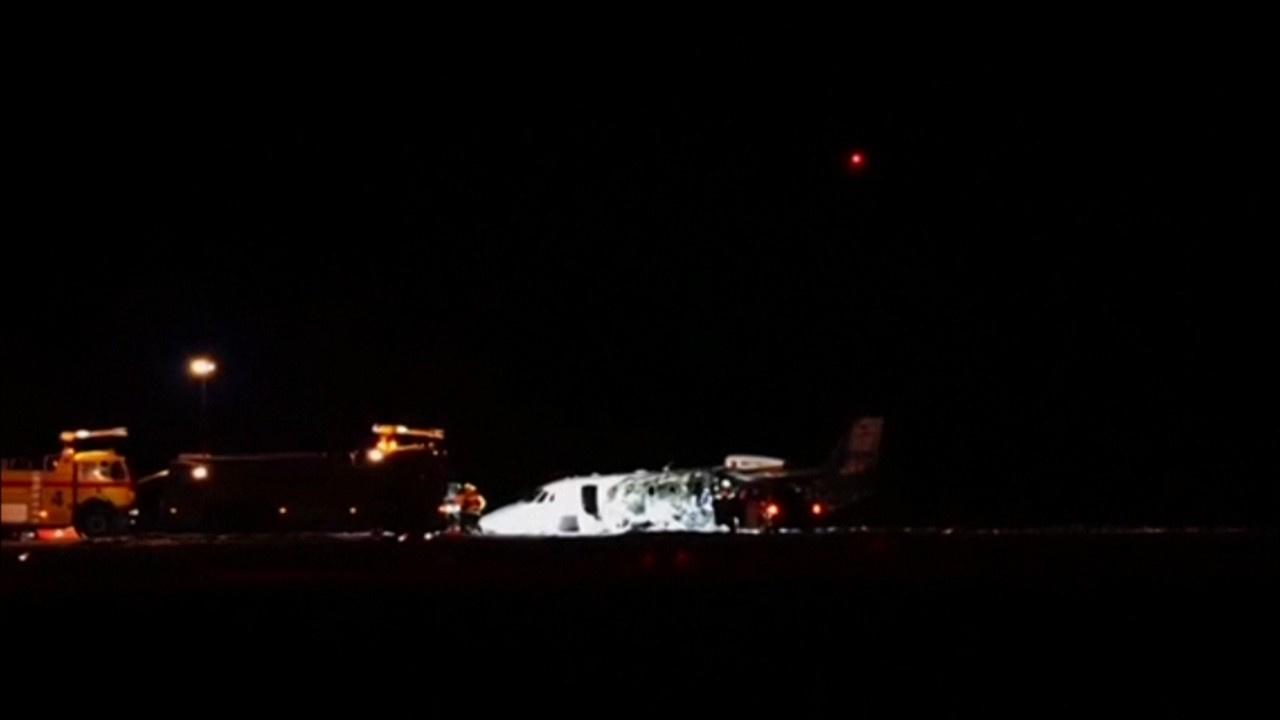 Ünlü şarkıcının ekibini taşıyan uçak düştü