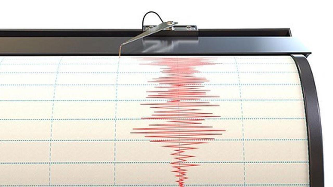 Denizli'de oldu Afyonkarahisar'ı da vurdu!.. Depremin etkisiyle başına tuğla düştü!