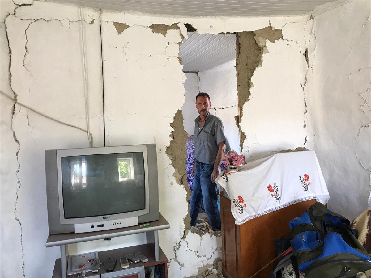 Deprem en çok zararı Tutluca Köyü'ne verdi - Sayfa 3