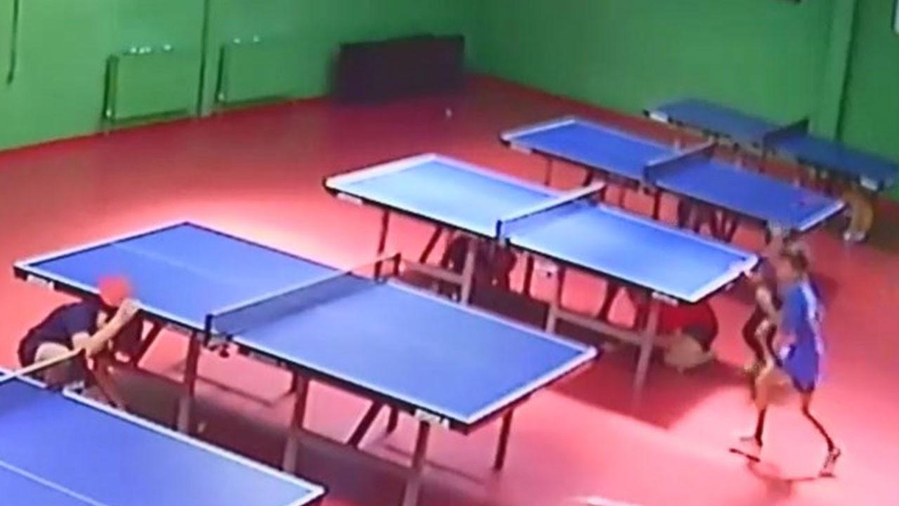 Depreme masa tenisi oynarken yakalandılar