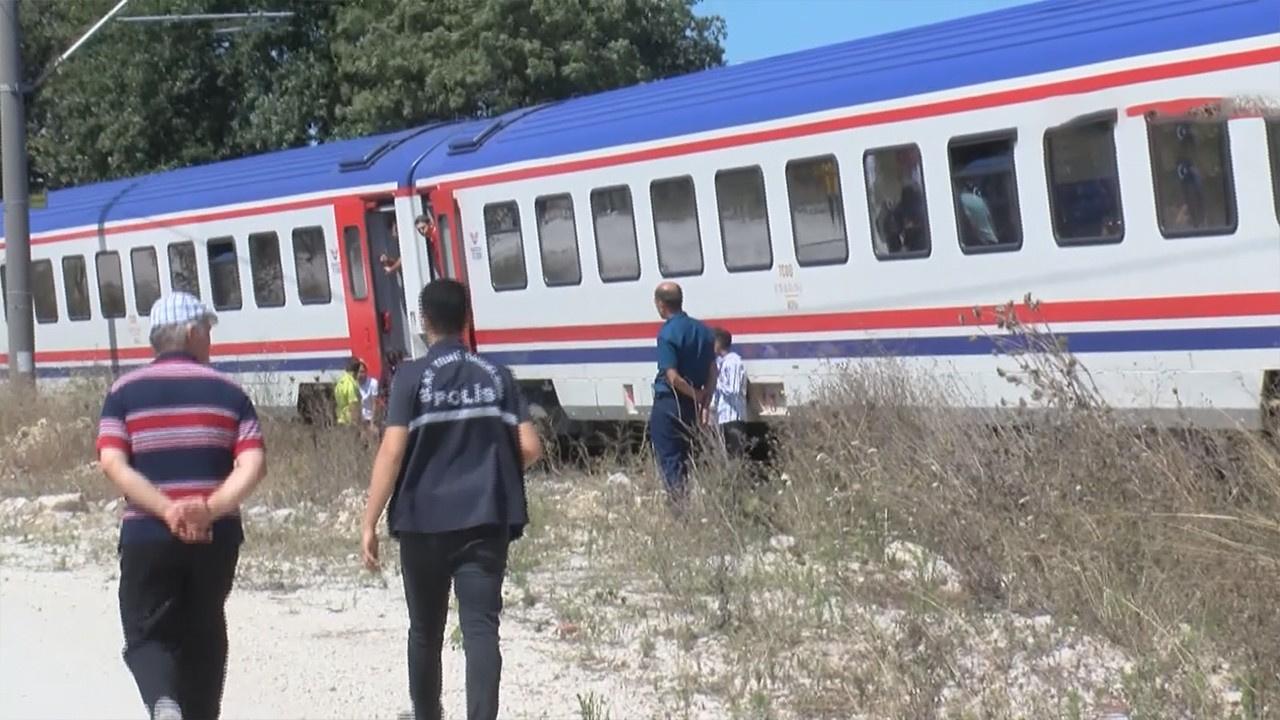 Hayvanlarını kurtarmak için trenin altında kaldı