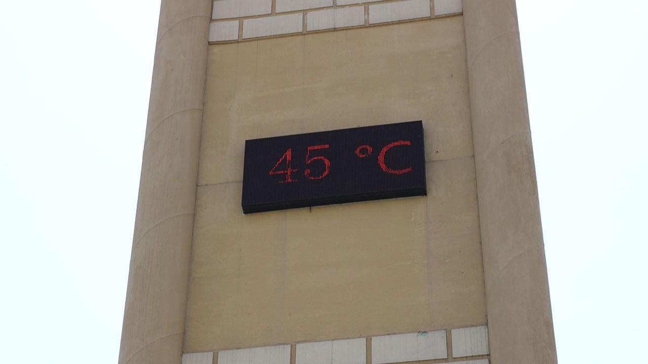 Termometreler 45 dereceyi gördü!
