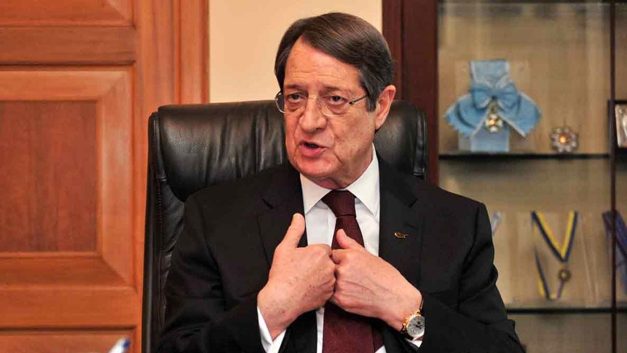 Kıbrıs Rum Kesimi'nde kara para krizi... Rum lider 220 milyon euro akladı iddiası