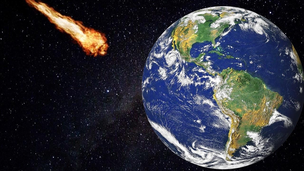 Saatte 18 bin kilometre hızla Dünya'ya yaklaşıyor