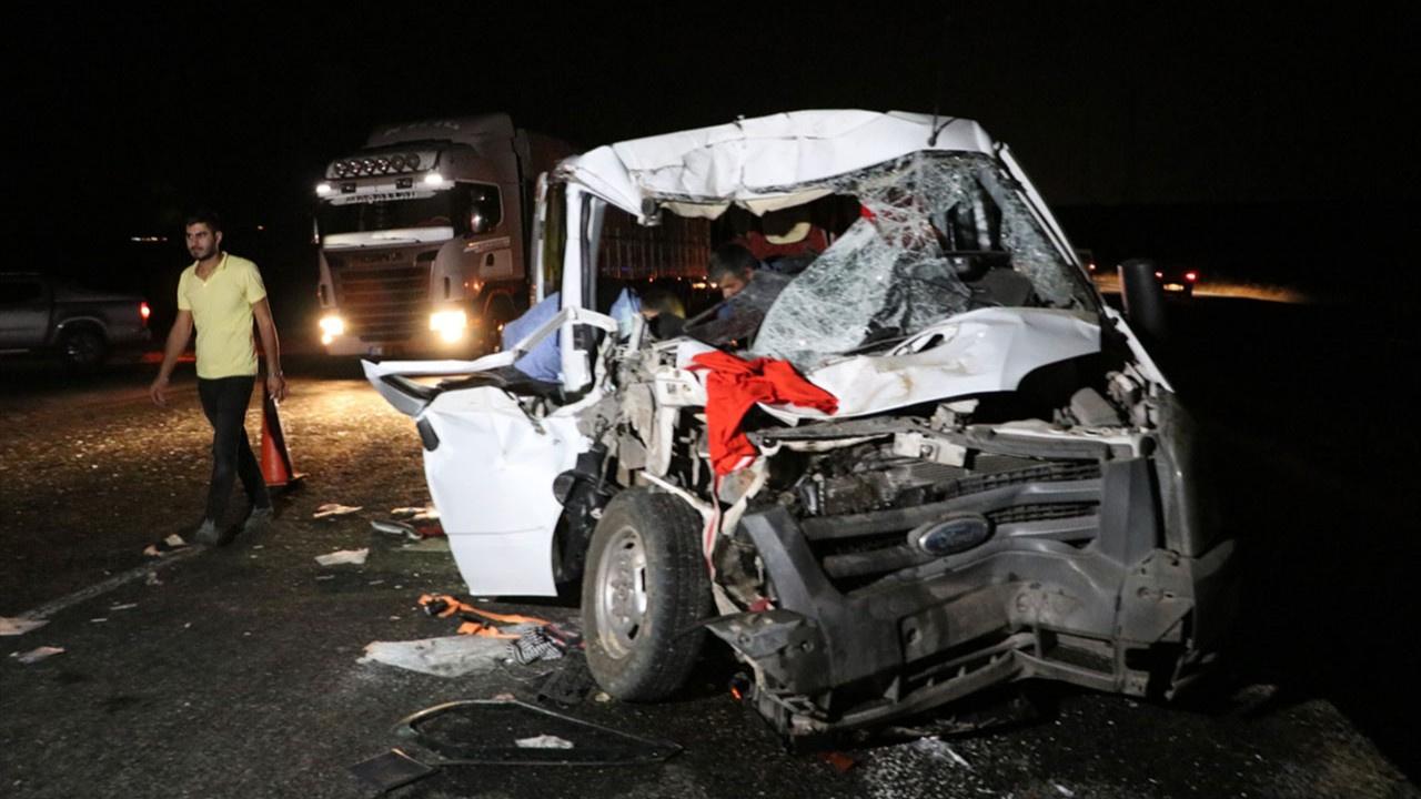 Diyarbakır'ta trafik kazası: 4'ü ağır 8 yaralı