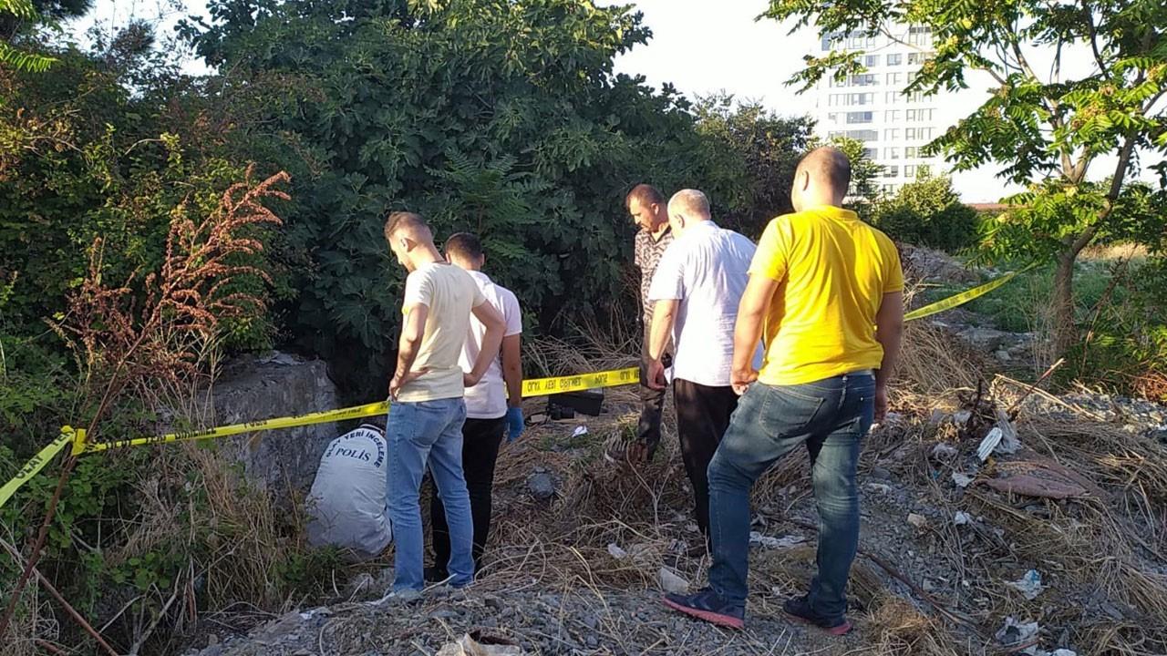 Zeytinburnu'nda bir çukurda erkek cesedi bulundu