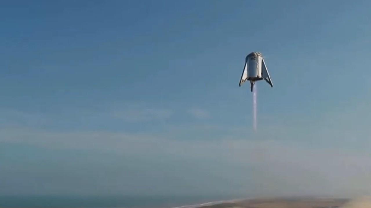Elon Musk'ın Starhopper'ı 150 metre yükseldi