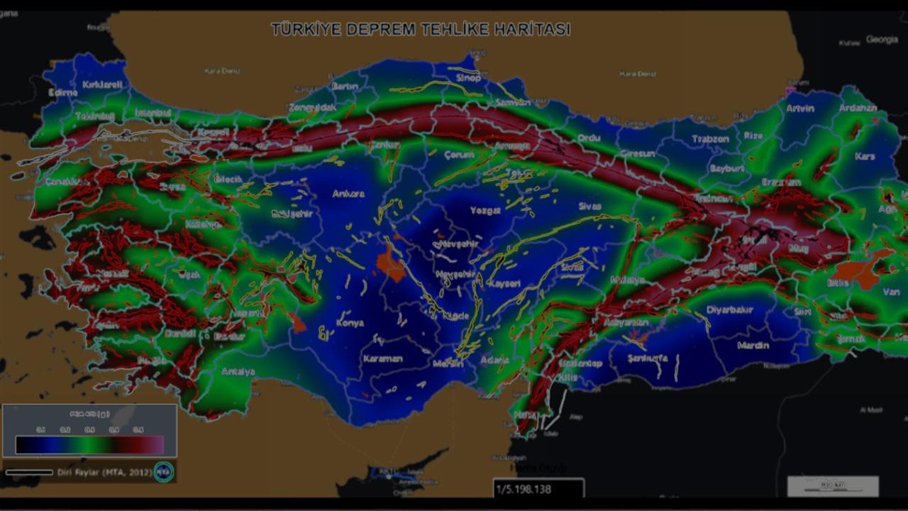 Bu bölgelerden ev alacaklar dikkat!.. Deprem profesörü uyardı!.. 'Türkiye'deki deprem tehlike durumu değişti'
