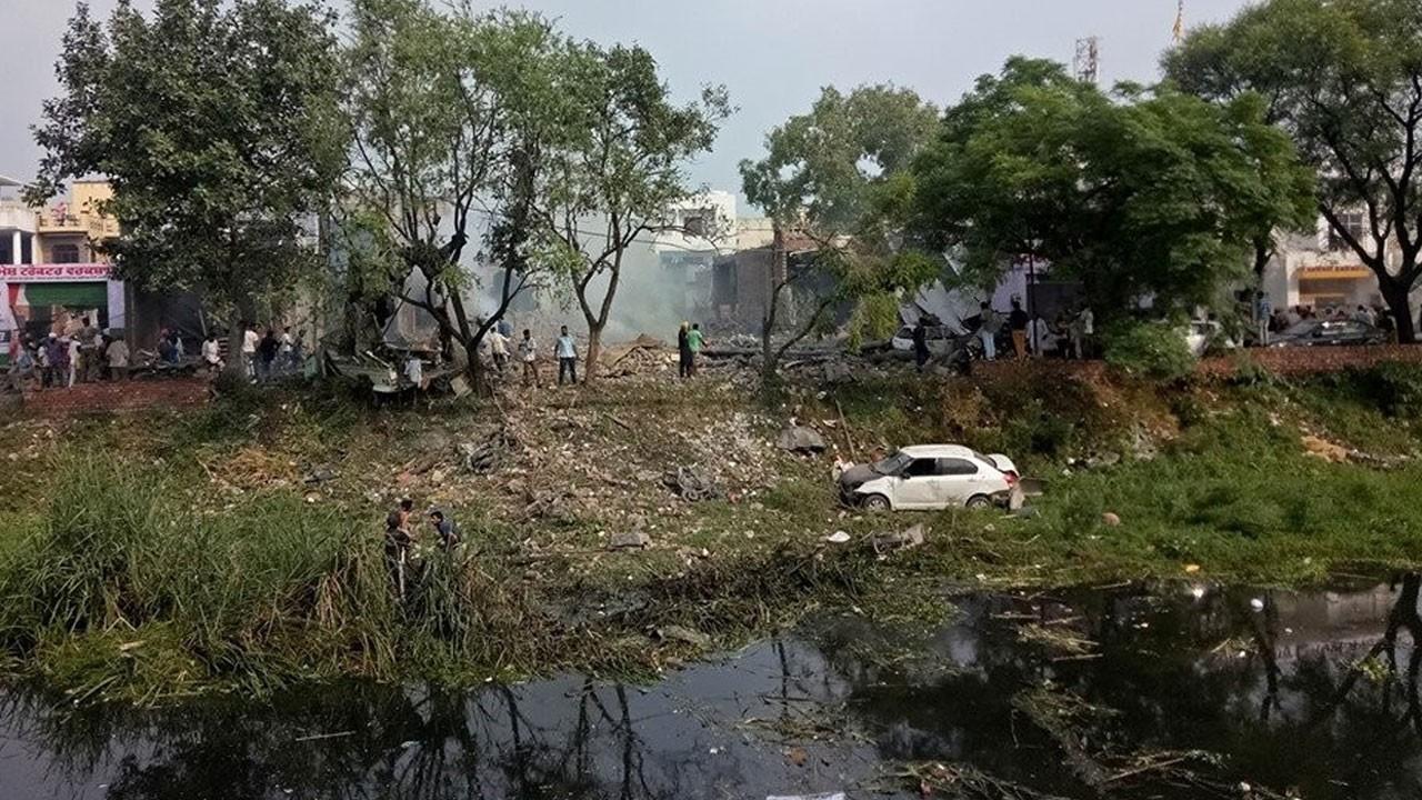 Havai fişek fabrikasında patlama:  17 ölü, 30 yaralı