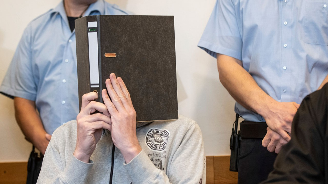 Mahkeme 32 çocuğu taciz eden iki sapık hakkındaki kararını verdi