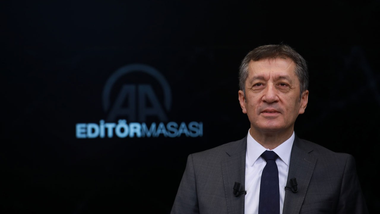Milli Eğitim Bakanı Ziya Selçuk'tan kayıt parası uyarısı