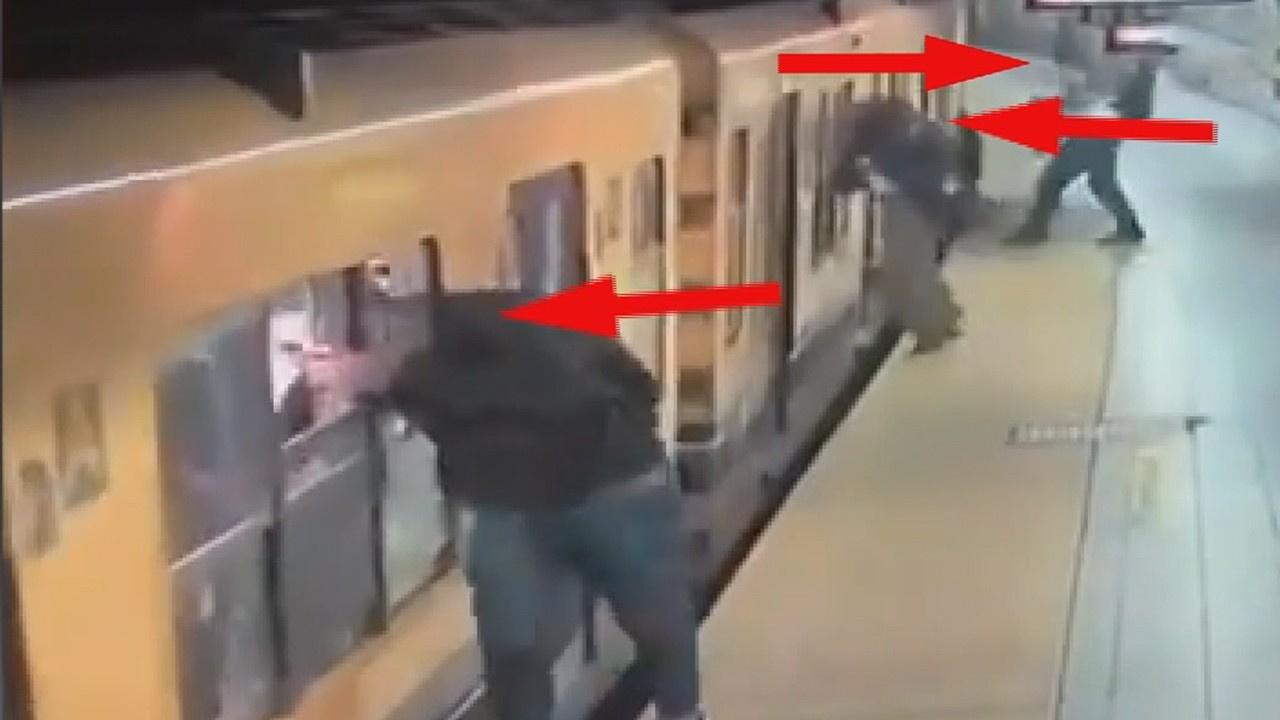 Seyir halindeki metro camından hırsızlık yaptılar